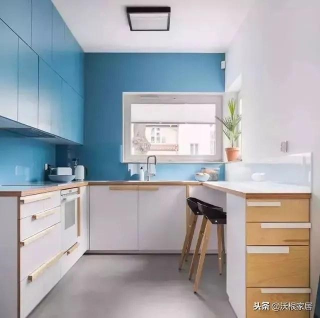 30 kitchen sink options 不挑户型的30个厨房设计 把4 装成10 真服气 u型厨房 面积较大 活动空间更灵活 水槽一般在中间 切菜炒菜以及常用工具分别在两边 这种厨房也适合做成开放式 利用一侧做吧台 增加生活情调