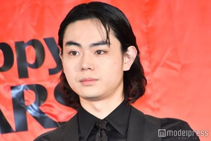 菅田將暉主演的《3年A班》開播 首集收視率達到兩位數