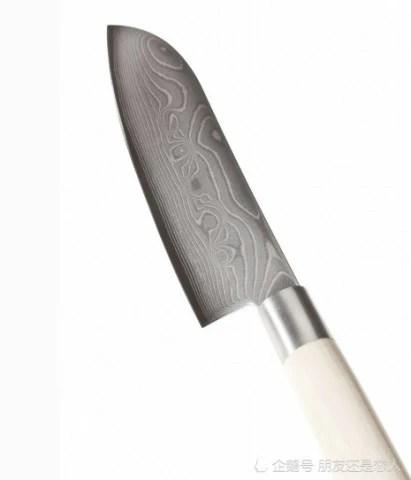 utility kitchen knife exhaust vent cover 不要再乱磨菜刀了 从磨刀老大爷那学到一招 刀刃分分钟锋利无比 大家看我们的菜刀已经变得非常锋利了 效果非常好 所以以后我们家里的菜刀生锈了 变钝了 可以试试 这个方法非常的简单实用