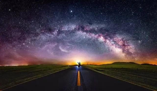 銀河系有4大旋臂。我們處于哪條旋臂中?天上的銀河又是哪條旋臂