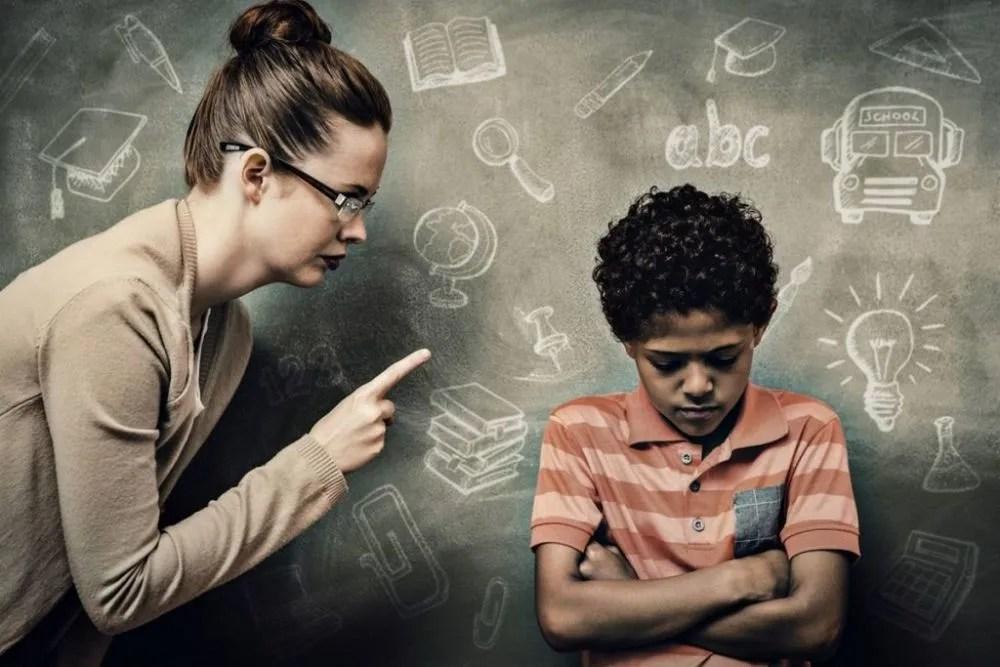 """今日话题:教育惩戒权终于来了,能杜绝""""拦路打老师案""""的剧情吗?"""