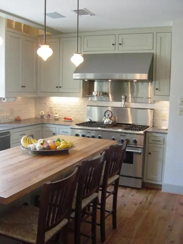 zephyr kitchen hood comfort mat 厨房能装空调吗 越来越多人这样装 没油烟还凉快 资讯大咖秀 我们在厨房安装上了空调 那清凉感让我们厨艺都进步不少 但是 不久空调上就一层油渍了 清理起来真的很不方便啊 这时候大家必须选购一款合适的油烟机 大家要根据