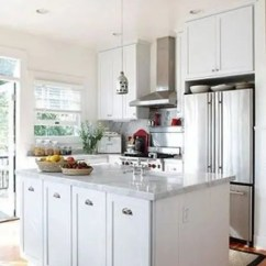 Kitchen Island With Range 30 Gallon Trash Can 有了11招扩容方法何必花大钱 厨房内的物品多而杂乱 设计一个收纳功能完善的小户型厨房空间更是非常棘手 设计者利用实用岛台围合出相对独立的空间范围 有效地分割了功能区