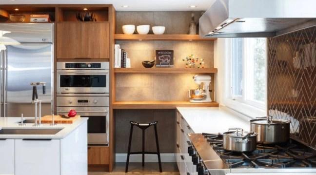 kitchen corner sinks white backsplash 8个技巧大大提升厨房角落的使用率 赶紧学起来吧 正文 卡卡头条 8 角落水槽 角落水槽可以是厨房角落的实用且美观的使用方式 这种规划让水槽有一个额外的空间 后角可以作为洗碗用品等重要设备或放置植物 另外 橱柜内部的后 角落