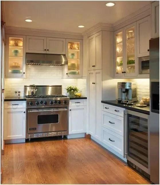 kitchen vinyl cabinets doors for sale 厨房地面装修 五种材料随你选 希奇生活文章 乙烯基这种材料非常坚韧 触感温暖 并且有耐脏 防水 易清洁的优点 厚度和价格多种多样 乙烯基使用起来相当方便 几乎不用保养维修 所以这也是现今多数家庭 厨房
