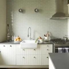 How To Redesign A Kitchen Best Sink Faucets 老房 变形记 这房子美爆了 天天快报 伊丽莎白重新设计厨房之前 空间又黑又暗 缺乏存储空间 重新配置后整体空间变得明亮 改善了功能同时提升美观度
