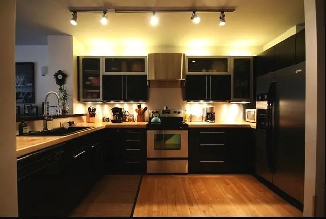 tall kitchen pantry sink strainers 想拥有一个高大上的厨房吗 只需在厨房装修上当心这几点 天天快报 厨房装修的重要性不亚于客厅卧室 要想吃上可口的饭菜首先就得有个称心如意的厨房 那么厨房在装修设计时需要注意哪些事项呢