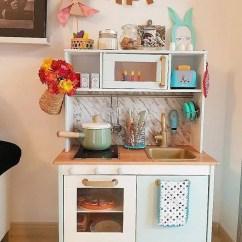 Retro Kids Kitchen Curtain Rods 可以这样用宜家家居布置儿童房 天天快报 我超级喜欢这套复古风格的小厨房 连手套和围裙的花色都好喜欢 搭配boss的儿童玩具厨房配件 简直高级到不行