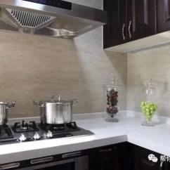 Best Kitchen Hood Apple Rugs For 厨房装修应注意的8个小细节 每一个都是血泪教训 天天快报 厨房最好装白色的灯 黄色灯光容易让食材的颜色失真 厨房吊顶主灯的做法主要包括嵌灯 日光灯或流明吊顶 其中流明吊顶能让光源更均匀 但造价也更贵