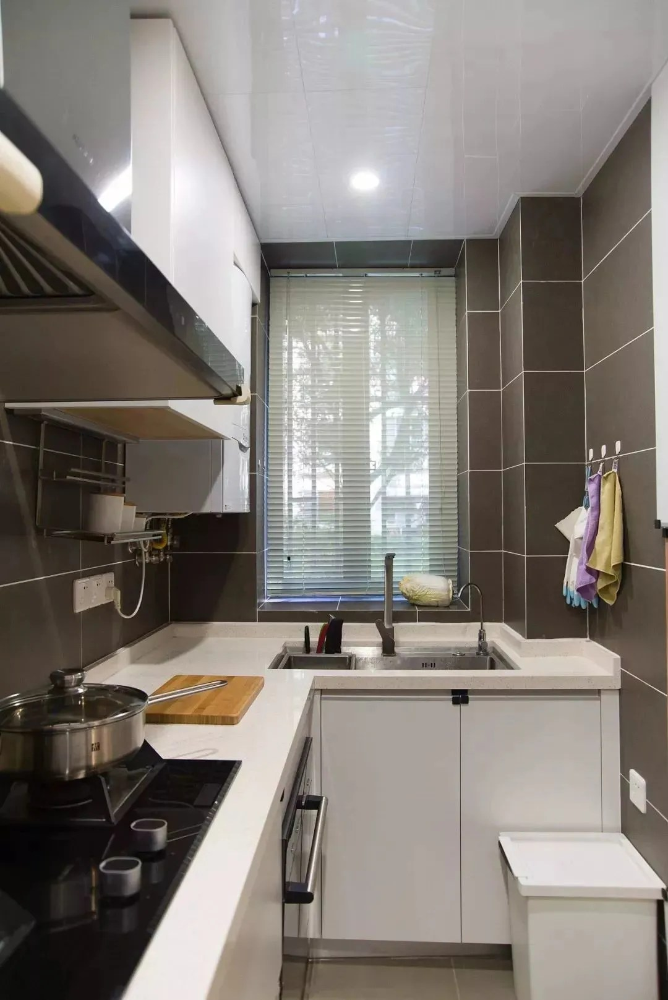 compact kitchen sink samsung package 小户型厨房可以设计得紧凑一些 不大不小刚刚好 腾讯网 紧凑的小户型厨房适合做个l型的橱柜布局 把水槽和灶台分开 中间留下足够的操作台空间 活动距离短 使用又方便