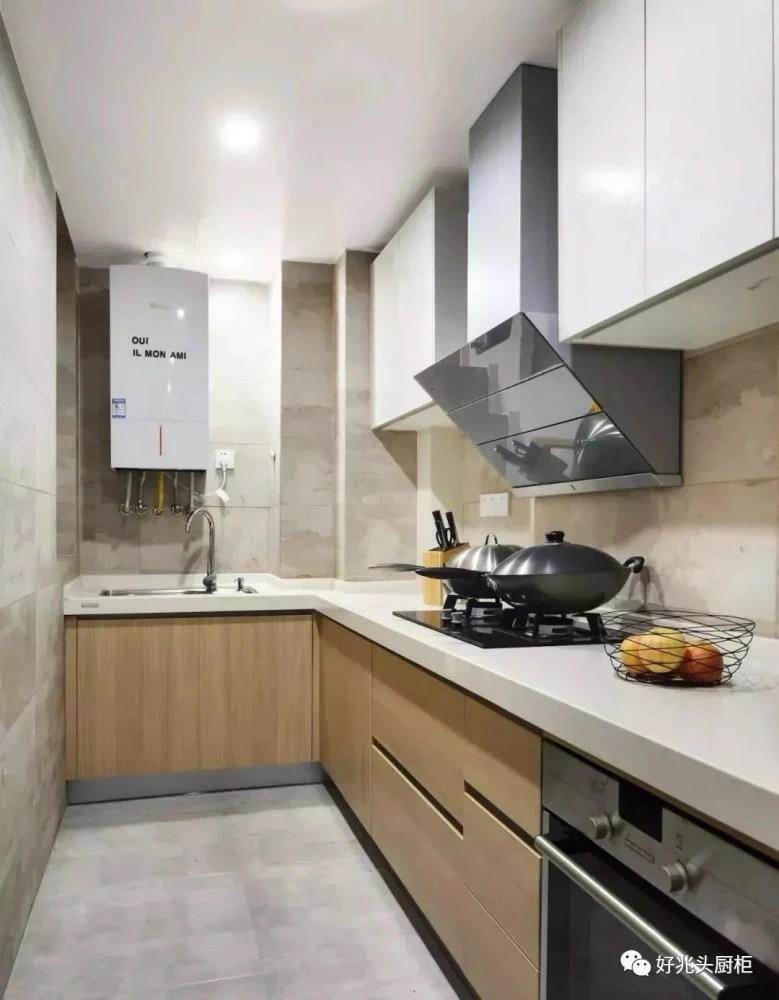 mission kitchen cabinets small storage solutions 实用百搭的l型厨柜 99 的中国式小户型都适用 天天快报 当然如果选择木色厨柜与白色台面搭配 加上亮白的灯光 也容易营造出温馨曼妙的厨房空间环境