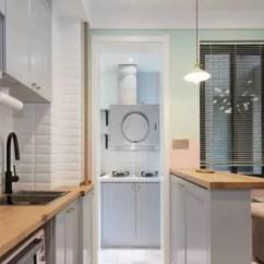 Small Kitchens Wilsonart Kitchen Cabinets 小厨房规划的好 4 变8 家人都满意 天天快报 灵子 我一进我们家那个窄窄巴巴的小厨房 别说做饭了 我连吃饭的心情都没有 感觉不管怎么样都不方便 有好的设计方法参考吗