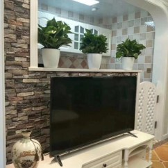 Small Kitchen Tv Cheap Backsplash 刚装好的100 新房 简约美式风格 电视墙估计很多人没见过 天天快报 L型小厨房 墙上贴了彩砖 装了橱柜和小范围的吊柜