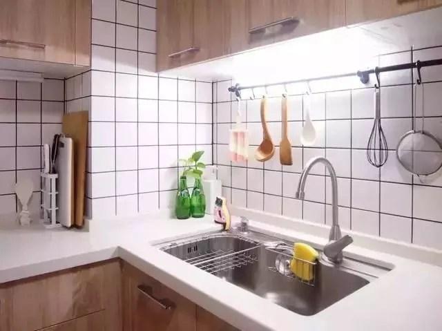 best kitchen lighting unfinished islands 完美的厨房 不要被一些小细节打败 天天快报 厨房灯光颜色尽量选择白色 除了对整个厨房照明 在洗涤区和操作台最好也增加专用射灯 作为补充照明 方便厨房有足够光源