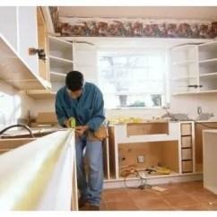 Small Kitchen Bar White Backsplash 装修的那些事 小厨房 大知识 厨房装修谨记三要二不要 天天快报 厨房装修