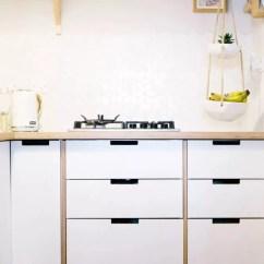 Compact Kitchens Small Island Kitchen 紧凑型厨房的设计技巧让空间变大又不失功能性 紧凑的厨房