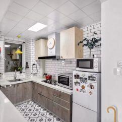 Kitchen Table Set With Bench Power Grommet 78平两室 一进门厨房格局不错 客厅这样装太漂亮 邻居都羡慕 天天快报 厨房里面 U型设计 一边就是与餐厅隔开的吧台 平时可以处理食材 另一边是灶台区域 地方不大 一端专门留出了冰箱的位置 因为空间有限 冰箱选择了小体型的 一些