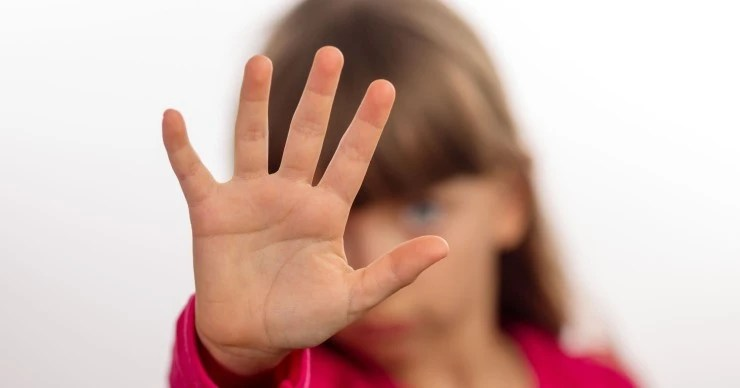 面对虐童,除了呼吁严惩我们还能做些什么