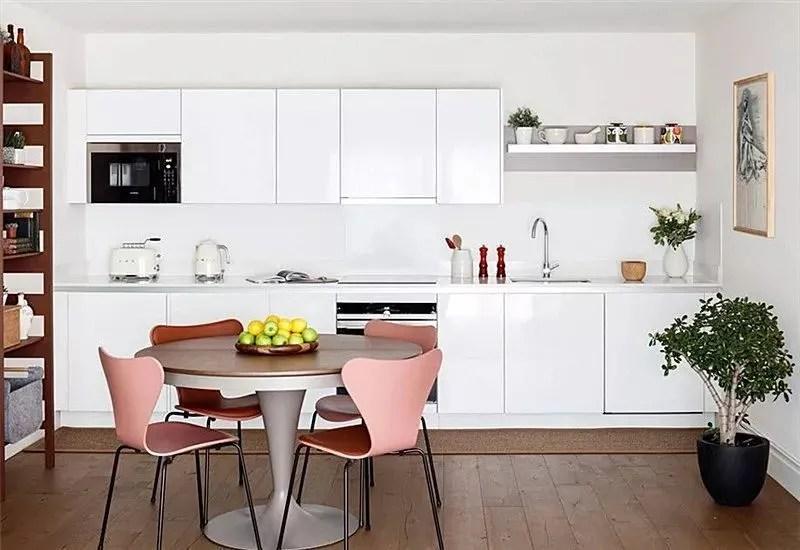 kitchen dinette set ebay faucets 敞开式厨房 如何与餐厅和睦相处 天天快报 所谓常规式 就是在设计规划上 没有特别突出的亮点 比较适合大众的审美与品位 也比较百搭 如果一定要有一些设计感 那就选一套出彩的餐桌椅吧