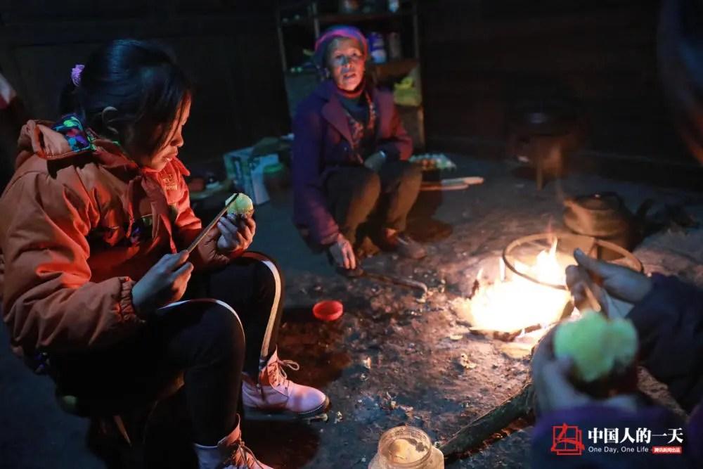 """北京之旅后 那个凉山孩子开始拼命学习:""""我怕以后跟不上!"""""""