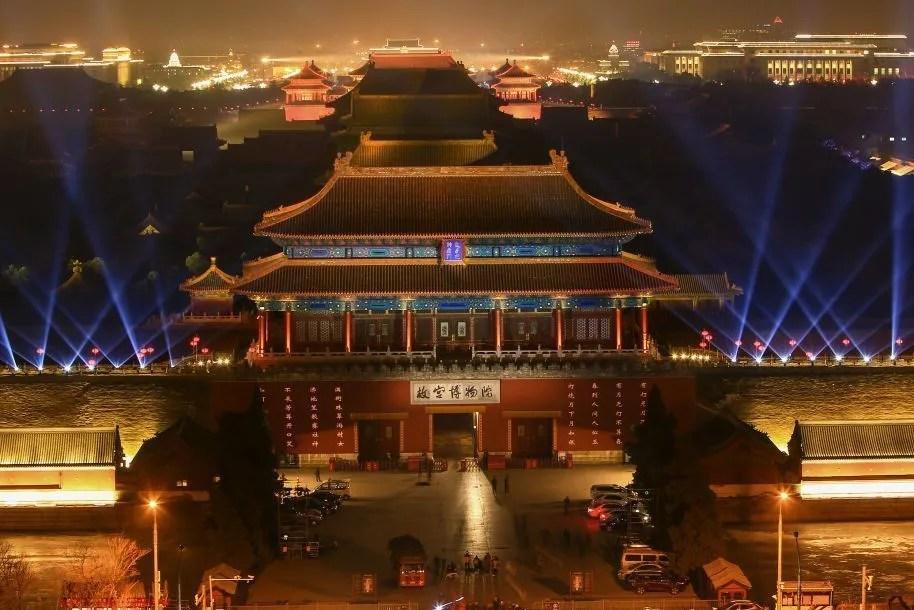 今日话题:紫禁城夜游一票难求可喜,但打造文旅IP不能只靠单霁翔和故宫