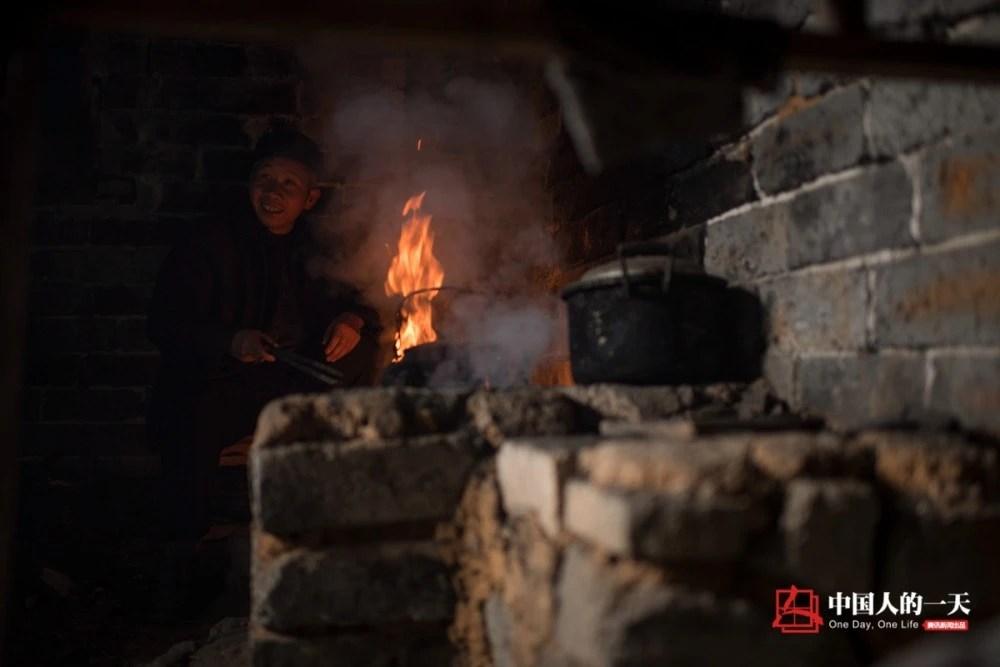 爺孫三代深山挑水煮茶百余年 家人反對被迫分居十幾年