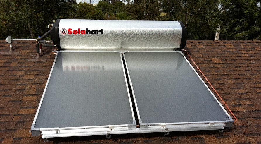 Solar hot water heater on a Jamul rooftop. Photo taken by Chris Wilder of Solar Services of San Diego, Inc.