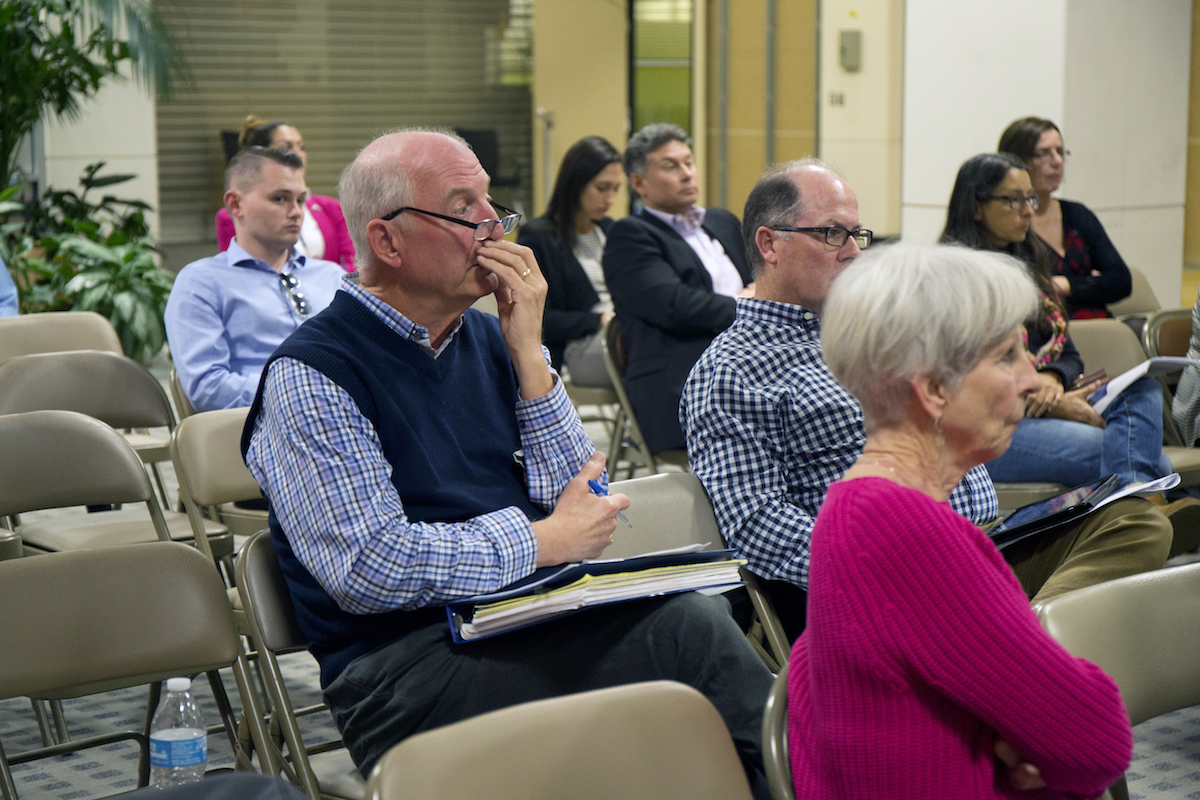 Point Loma, Mission Beach and La Jolla residents at an Airport Noise Advisory Committee meeting on Dec. 21, 2016. Megan Wood, inewsource.