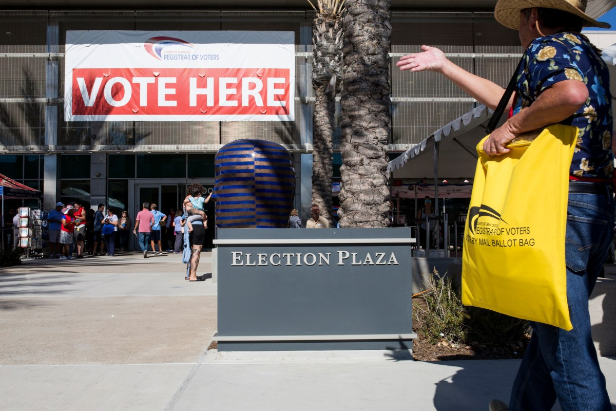 San Diego County residents are shown outside the Registrar of Voters Office in Kearny Mesa on Nov. 5, 2018. (Megan Wood/inewsource)
