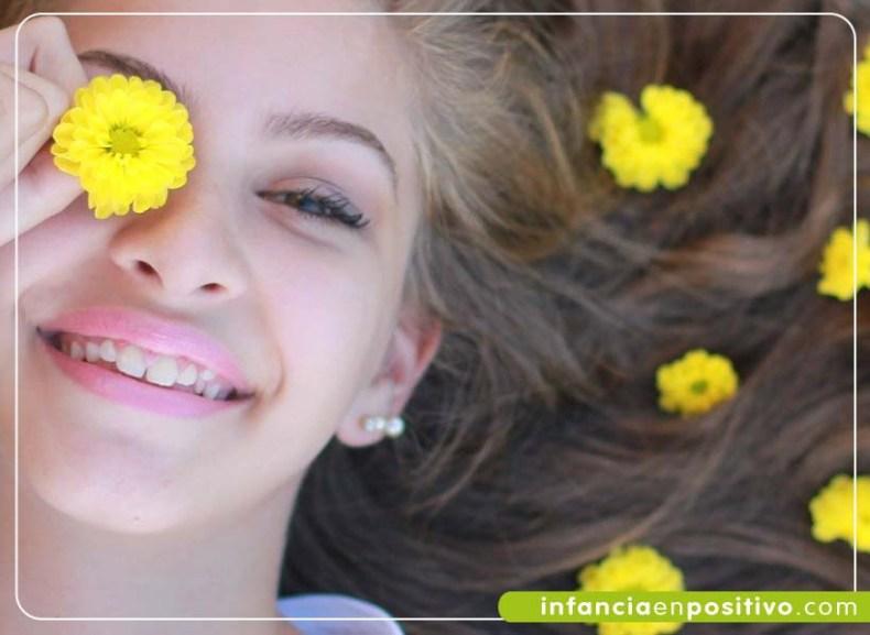 Chica adolescente alegre