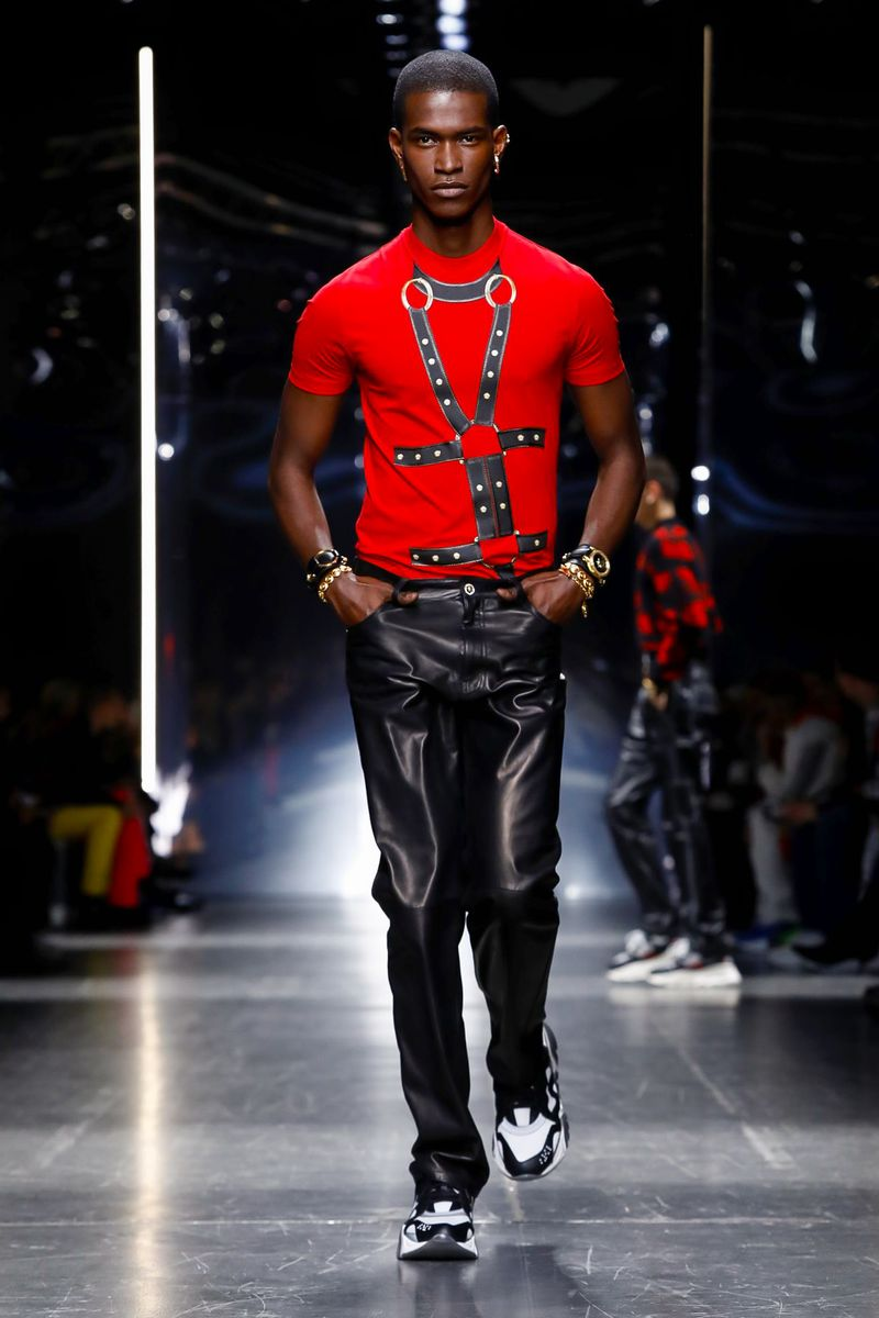 versace fw19 red t shirt