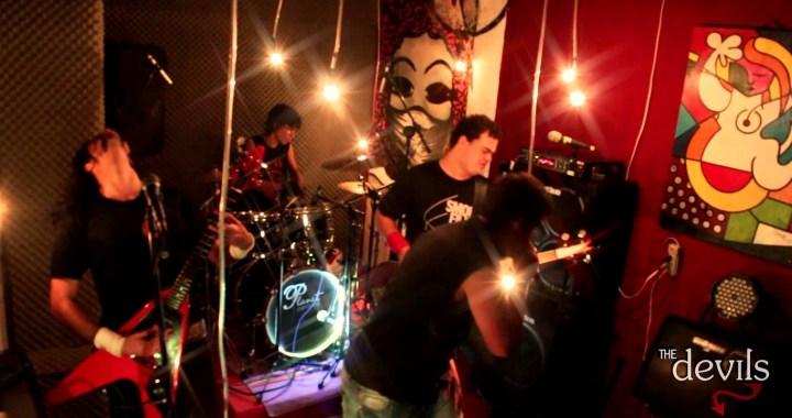 The Devils faz último show antes do lançamento do novo disco