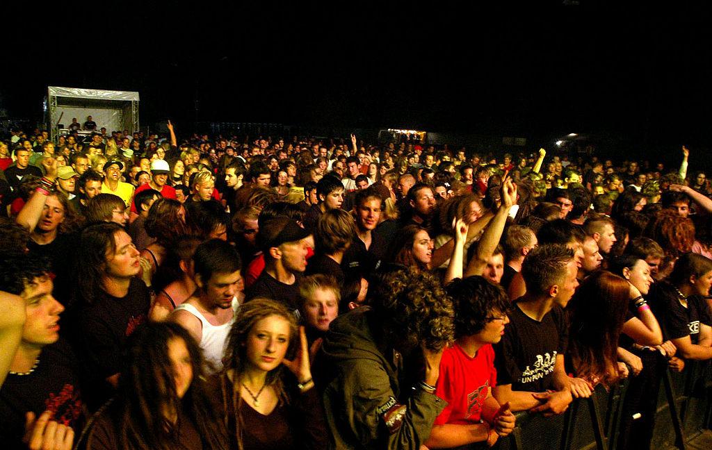 capa-garage-pub-festival-de-bandas-wikimedia-commons