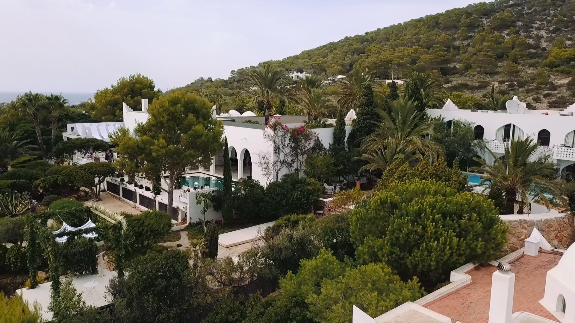Aerial set up villa salomon