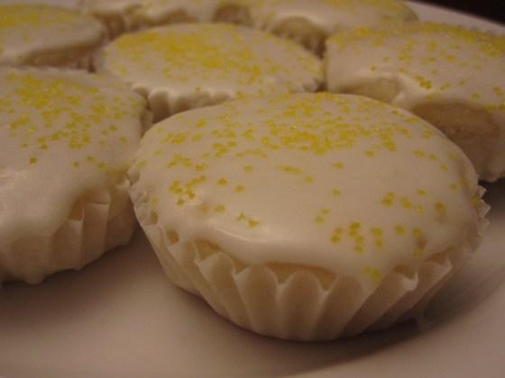 Vegan baking 101: lemon cupcakes recipes recipe lemon food cupcakes Bake