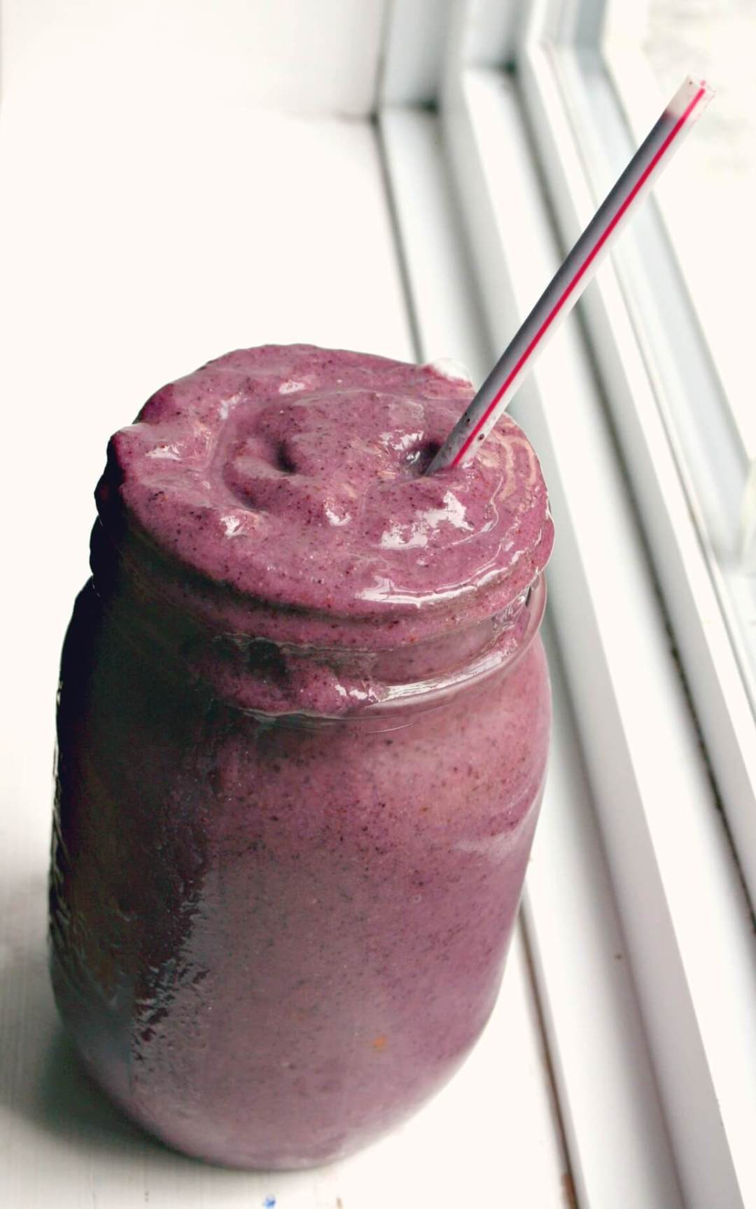 breakfast berry smoothie