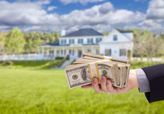Handing over cash for a home purchase. Find out why your buyers financing matters.