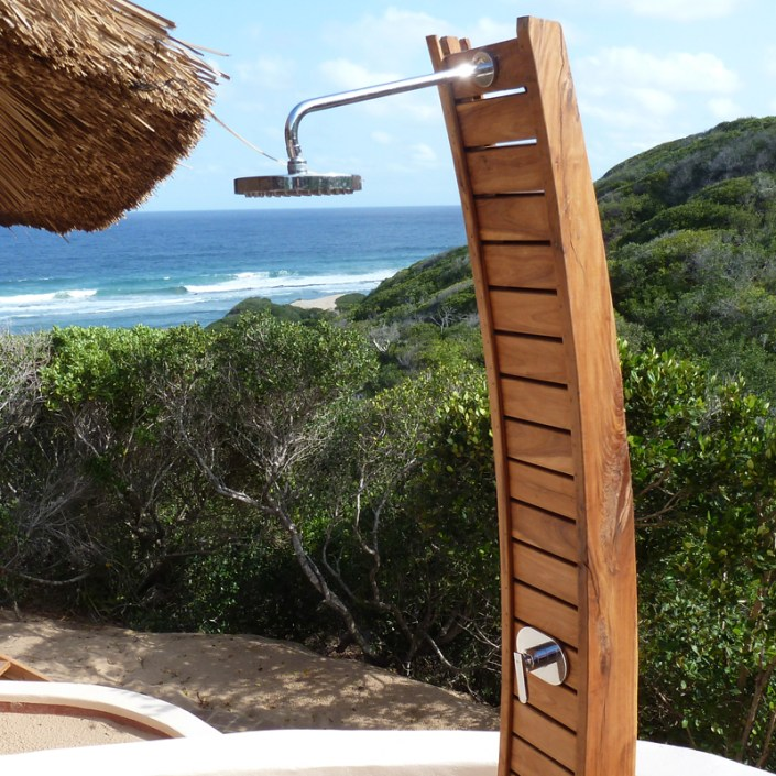 Infinite_Africa_Travel_Mozambique_Dunes_De_Dovela_Bungalow_Outdoor_Shower