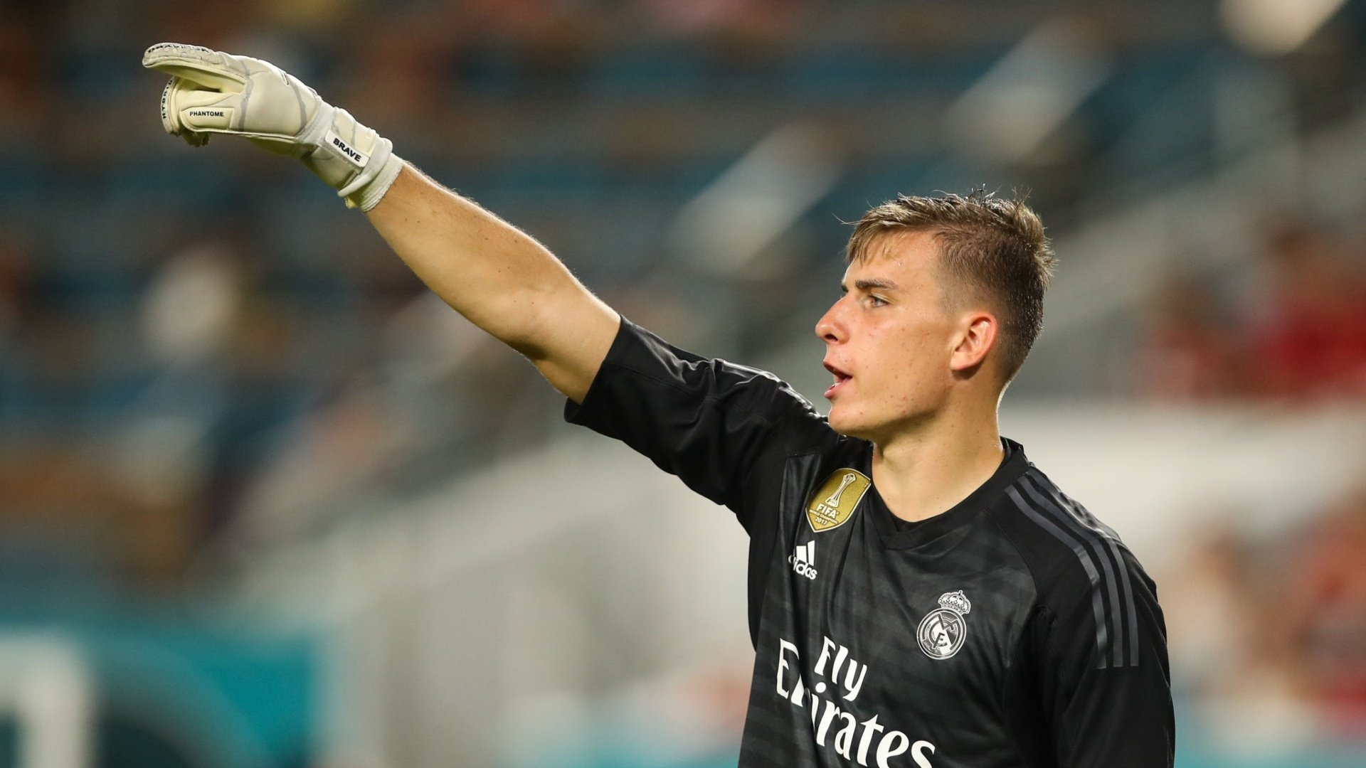 OFFICIAL: Lunin joins Valladolid on loan