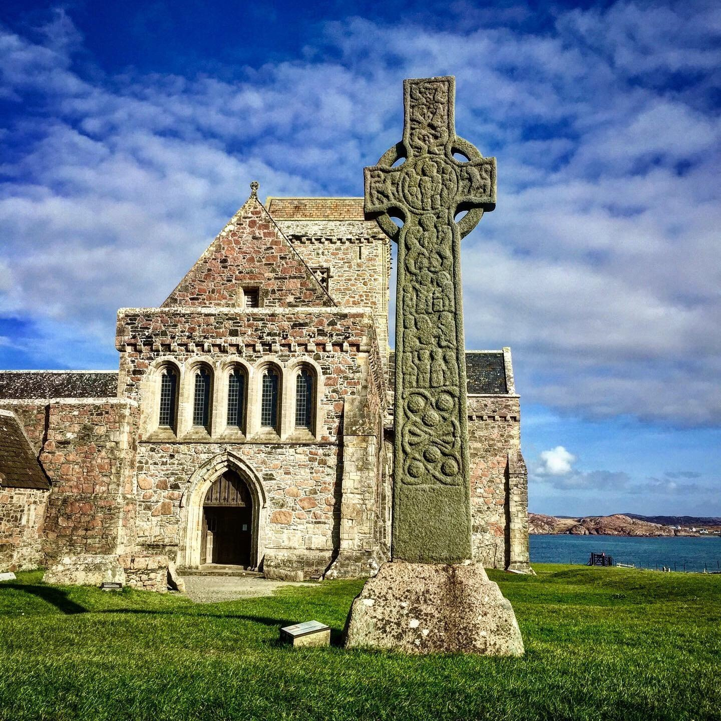 Tour Iona to visit famous Iona Abbey