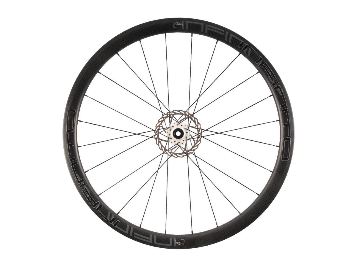 https://infinito-cycling.com/wp-content/uploads/2019/02/D4C-Zwarte-velg-Witte-naaf-Front-1.jpg