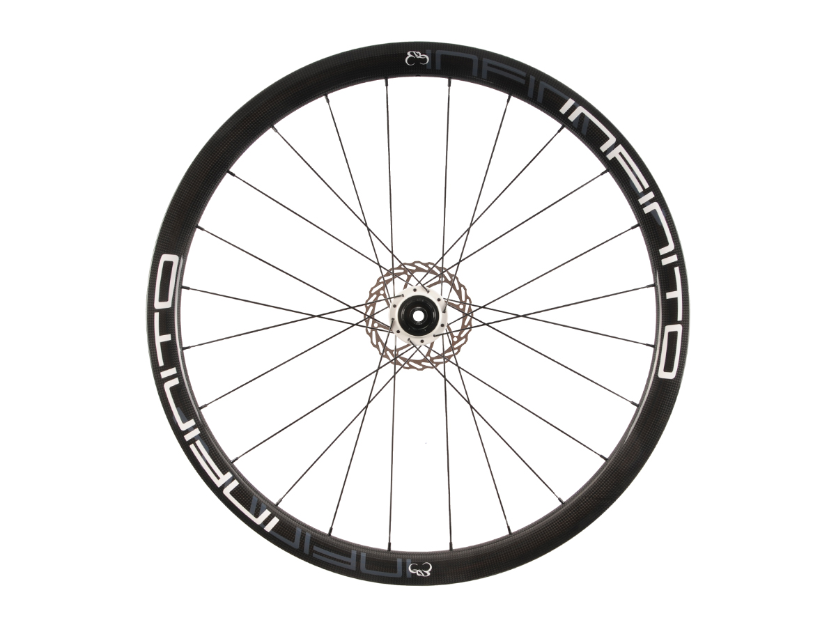 https://infinito-cycling.com/wp-content/uploads/2019/02/D4T-Witte-velg-Witte-naaf-Rear-1.jpg