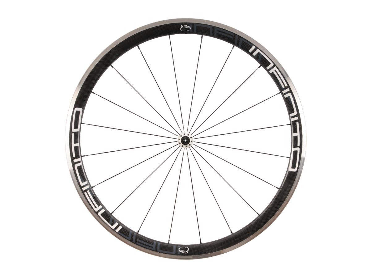https://infinito-cycling.com/wp-content/uploads/2019/02/R4AC-Witte-velg-Witte-naaf-Front-1.jpg