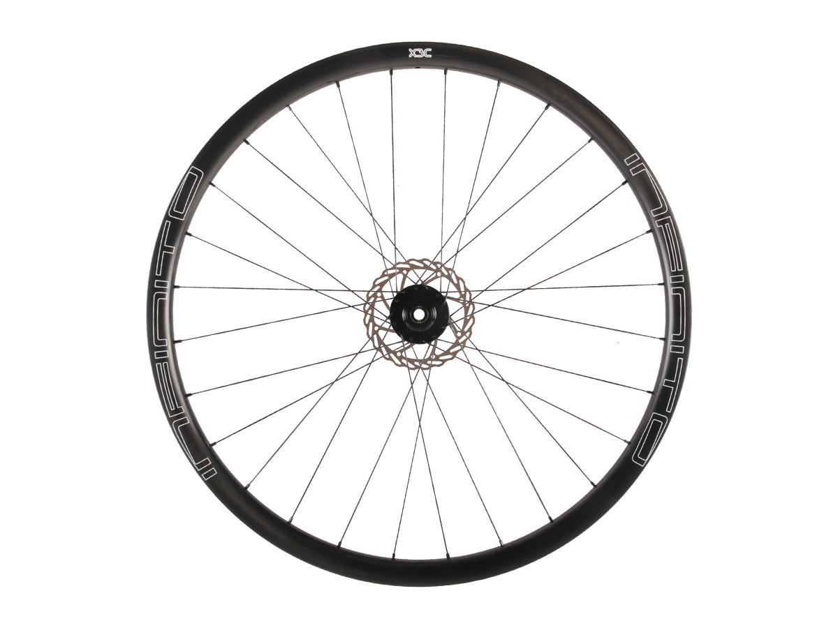 X3C – Zwarte velg – Zwarte naaf – Front – 1