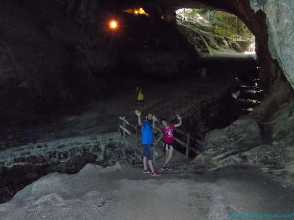 zugarramurdi cuevas