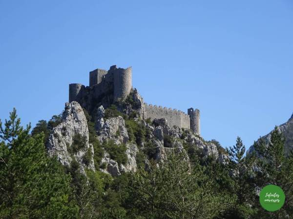 cátaros Ruta por los castillos cátaros, sur de Francia castillos del sur de francia - Europa en verano