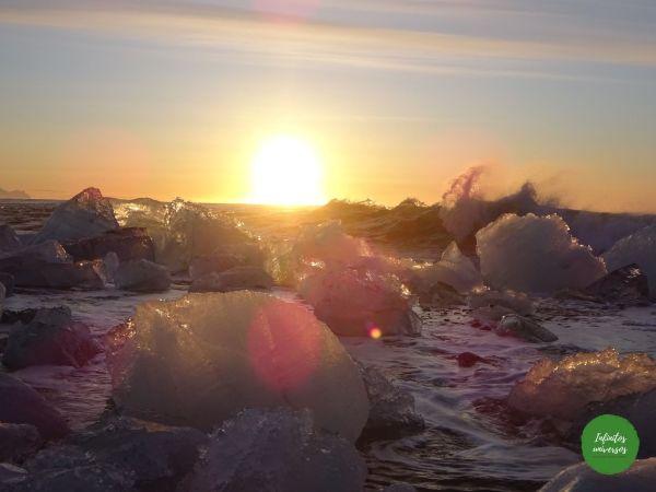 Amanecer en la playa de los diamantes islandia