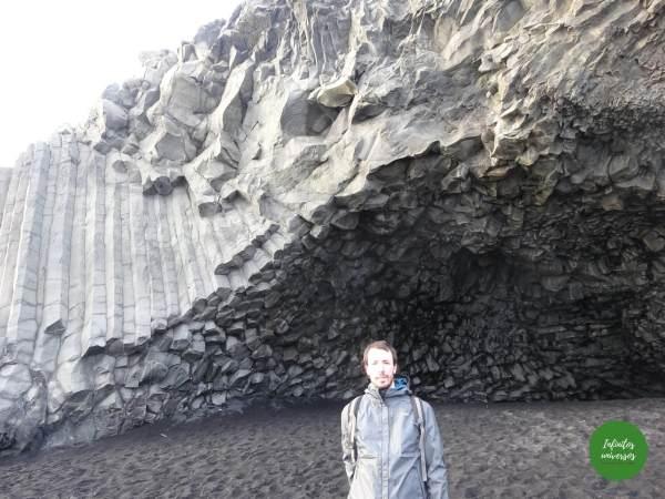 Vik islandia Qué ver en Vik: acantilado Dyrhólaey y la playa de arena negra Reynisfjara vik islandia