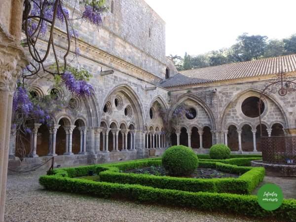 Visita a la Abadía de Fontfroide: horarios, entradas y consejos
