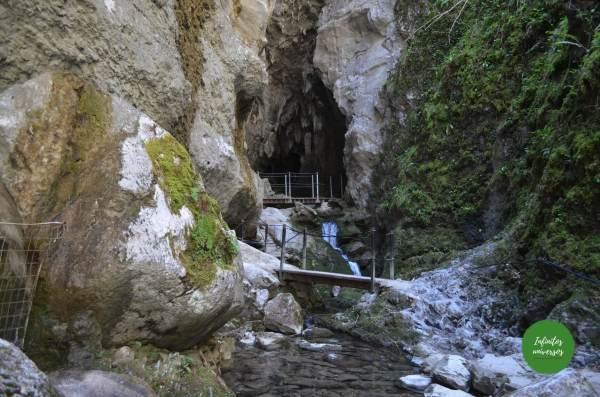 Grotte du Lac